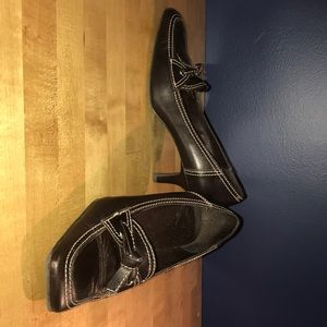 Heeled Leather Loafer